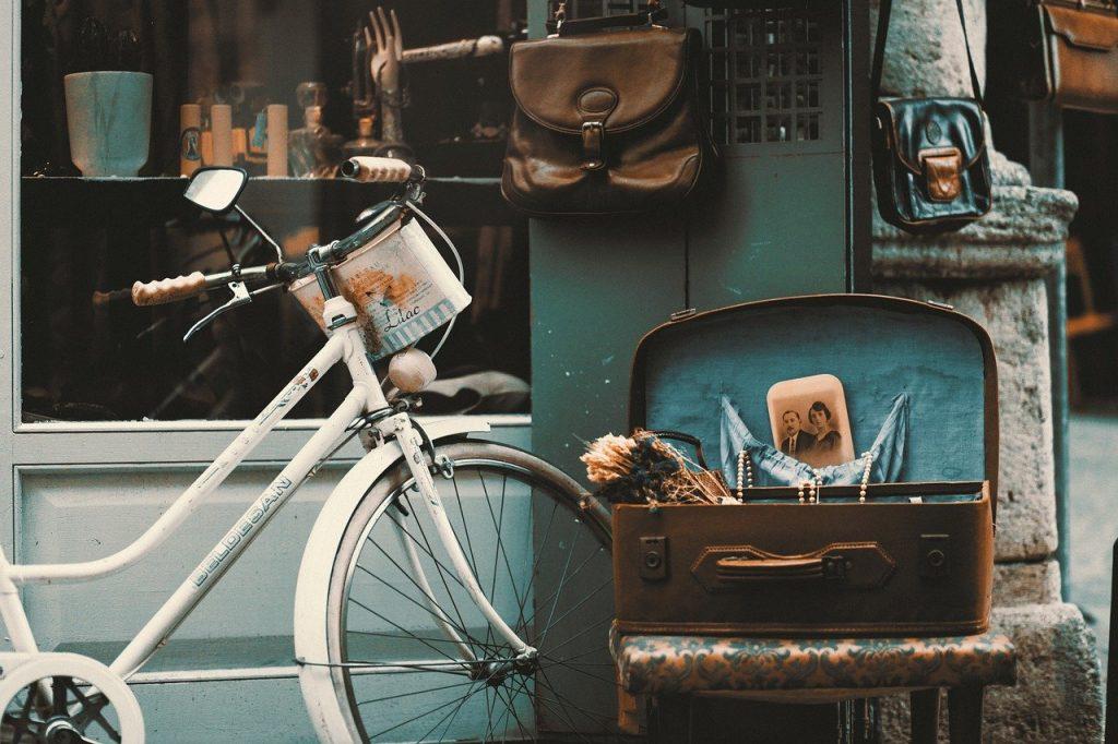 アンティークな自転車で街に出かける