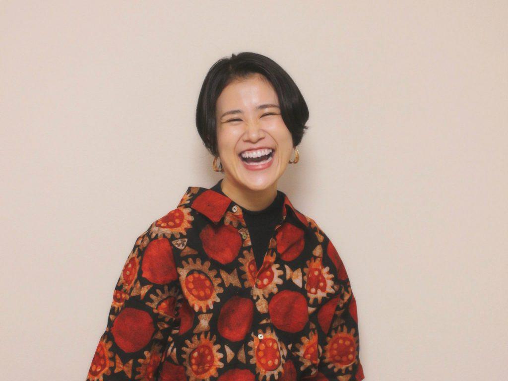 笑顔の沖田紘子さん